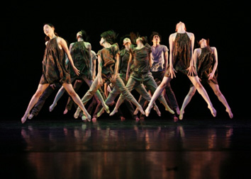 Dept. of Dance Kim Tae-Hun Dance Company Awarded Silver Prize